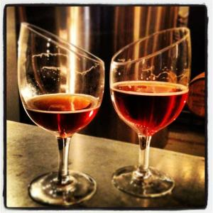 Image of two beer glasses.