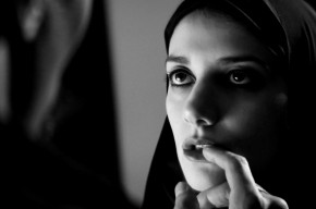 agirlwalkshomealoneatnight_iranianfilmdaily